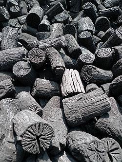 風炉水屋炭全体2